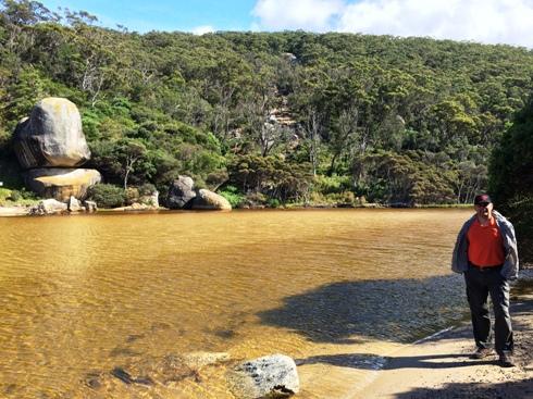 A Tidal folyó barnás vize