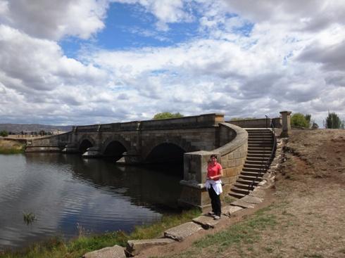 Ross Híd (Ross Bridge)