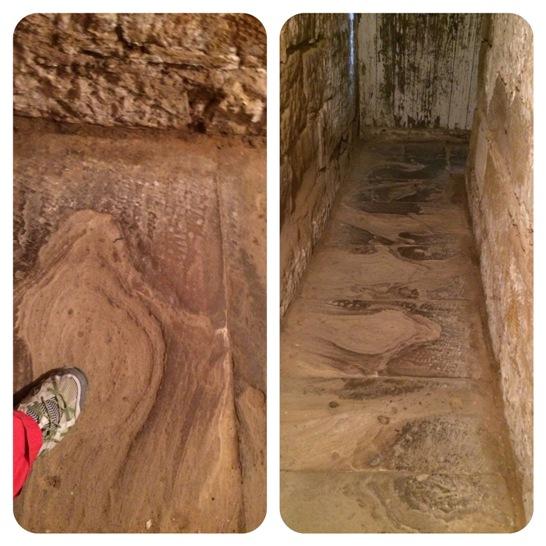 A kikoptatott föld alatti folyosó kőpadlója