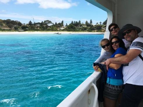 Irány a Kenguru_sziget, a kompon